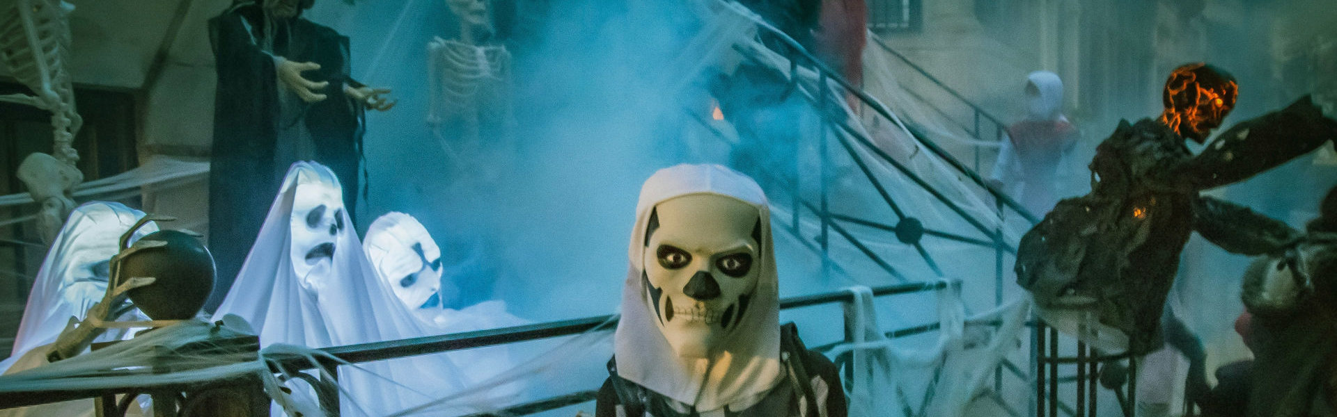 Concurs Decembrie 2020 - Fantome, monștri, vampiri